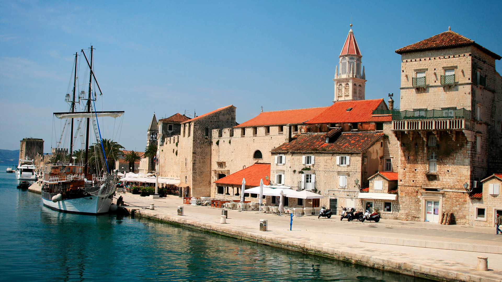 City promenade in the Old town, Trogir, Croatia - SimpleSail sailing routes