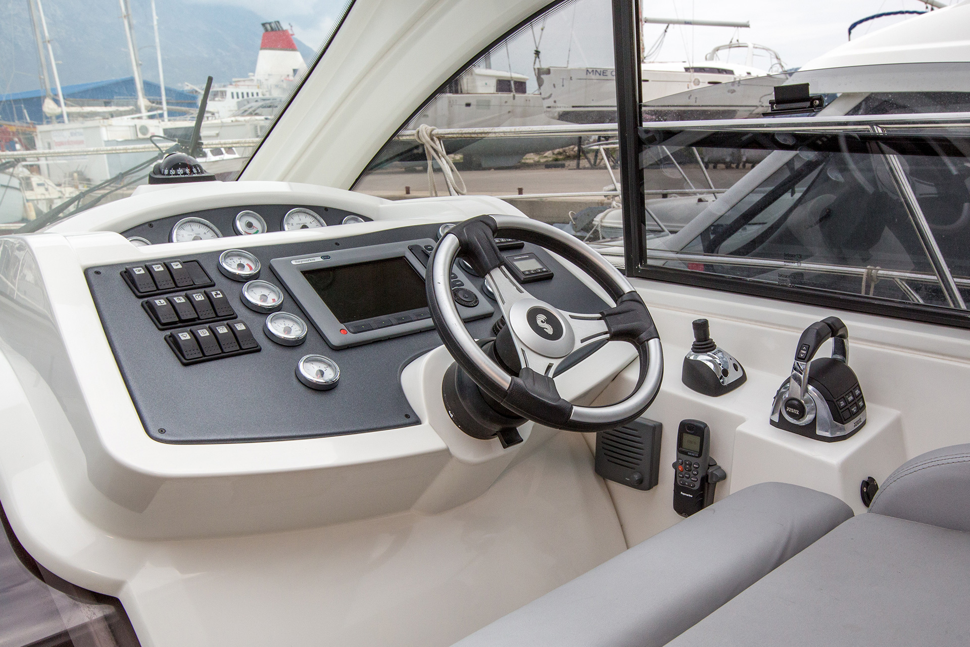 Motorboats available for charter from SimpleSail