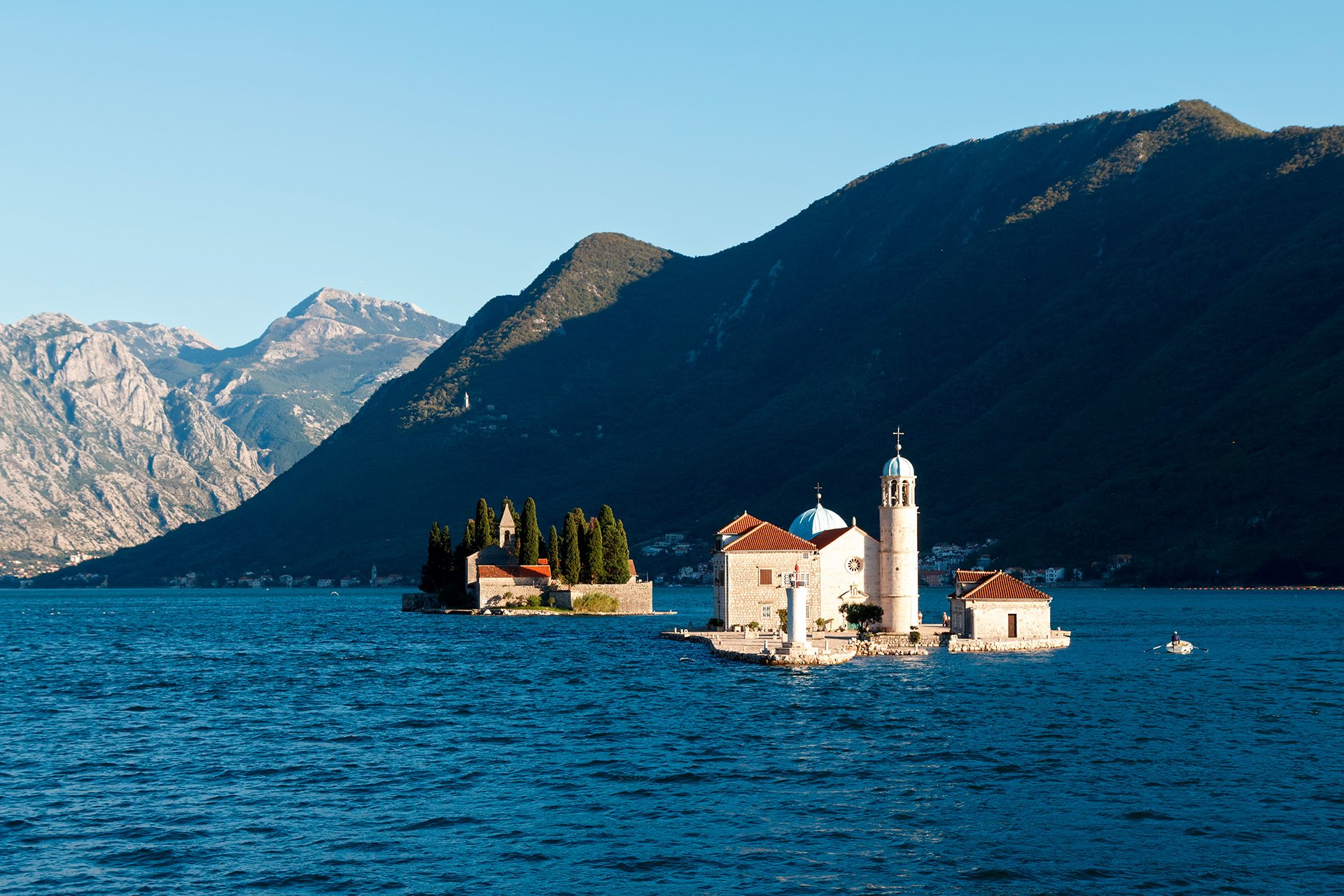 Gospa od Å krpjela in front of Perast sailing routes