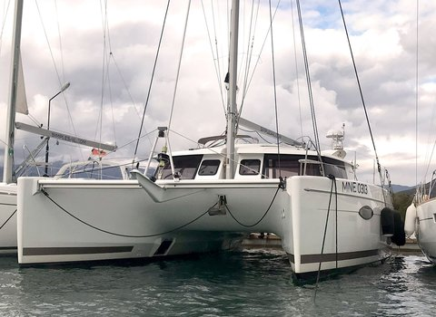 Fuontaine Pajot Helia 44 | Clione <br> 3 Cabins, 3 Bathrooms
